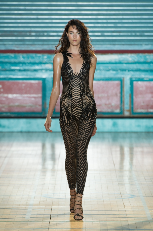 julien-macdonald-spring-summer-2017-look-45